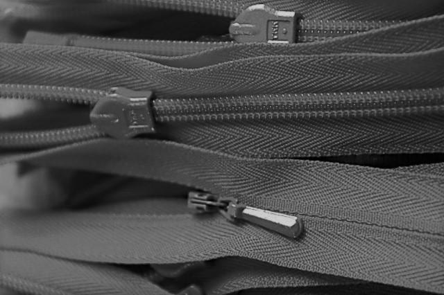 YKK Concealed Zip Nylon 23cm 9